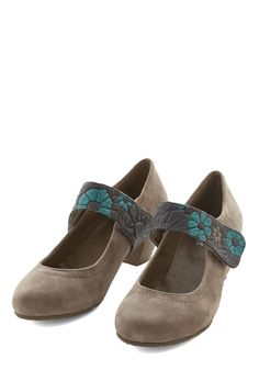 Fleur All You've Done Heel. Youre always willing to help a colleague or friend in need, but every now and then, you take some time for yourself by wearing these suede heels by Spring Step Shoes on an evening out! #tan #modcloth