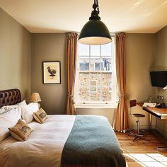 Morning #london  at Artist Residence Hotel #regram from @artistresidence cc #artistresidence #artistresidencehotel