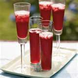 Champagne Pomegranate Cocktail -- Pomegranates add festive color and great flavor to any cocktail. Create a sparkling celebration by combinating tart pomegranate juice with spicy ginger ale, a little brandy, and a bottle of bubbly Champagne. Cocktails Champagne, Pomegranate Cocktails, Champagne Recipe, Beste Cocktails, Healthy Cocktails, Holiday Cocktails, Fun Drinks, Yummy Drinks, Pomegranate Juice
