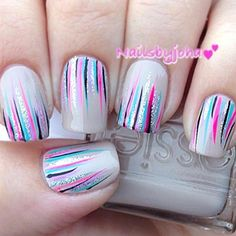 In case you are looking for an easy but fabulous manicure idea to create on your own you have come to the right place. Waterfall nails are that one design that is flawless to look at and simple to pull off even if you are a beginner. Diy Nails, Cute Nails, Pretty Nails, Nail Nail, Uñas Diy, Cute Nail Art Designs, Bright Nail Designs, Manicure E Pedicure, Fall Manicure
