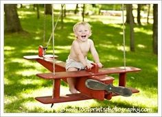 Forget the old tire swing and make this DIY airplane swing instead. @ My-House-My-HomeMy-House-My-Home  So cute! :)