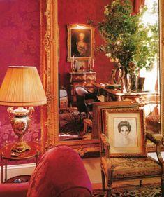 Carolina Herrera - House and Garden - Michael Mundy 1 Victorian Homes, Victorian Era, Antique Interior, Nordic Interior, Interior Decorating, Interior Design, Decorating Games, Interior Paint, Mirrors