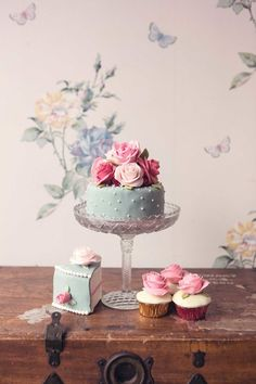 Cath Kidston Cake Inspiration/View More: http://cristinarossi.pass.us/wonderlandcakes/ Elizabeth Cake Emporium.