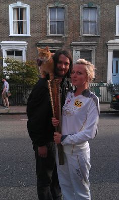 Twitter / StreetCatBob: Bob & James make appearance ...