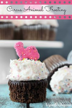 Circus Animal Frosting is a sweet vanilla frosting with crushed circus animal cookies and sprinkles mixed in. Frosting Recipes, Cupcake Recipes, Cookie Recipes, Dessert Recipes, Icing Tips, Fondue Recipes, Dessert Ideas, Cookie Frosting, Cupcake Cookies