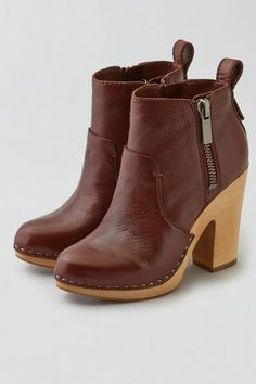 American Eagle Outfitters AEO DV by Dolce Vita Arlynn Clog Boot Cuties