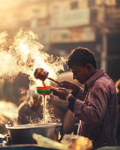 Beautiful Street Photography in Dehli by Ashraful Arefin – Fubiz Media Street Photography People, Village Photography, Life Photography, Amazing Photography, Travel Photography, Creative Photography, Instagram Look, Congratulations Photos, India Street