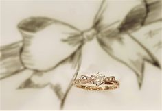 Customized Engagement Ring from Venus Tears.  #VENUSTEARS #engagementring #weddingsingapore #weddingbands #madeinjapan #anniversaryring #brides #bridal #rosegold #abe #rusticring #vintage #uniquering #ribbondesign #bowengagementring
