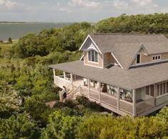 Emily Thorne's house on abc's revenge -- I want!!