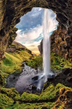 Have 3 days in Iceland? This ultimate Iceland itinerary will help you plan your trip! See waterfalls, canyons, and beaches on this Iceland 3 day trip! Vacation Places, Dream Vacations, Places To Travel, Travel Destinations, Places To Visit, Vacation Deals, Iceland Road Trip, Iceland Travel Tips, Iceland Hikes