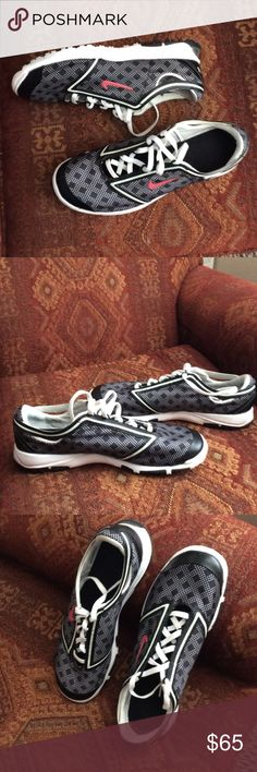 Nike shoes Nice Nike 9.5  nike power channel black white athletic shoes good condition.             Bundle for savings. No trades. Nike Shoes Athletic Shoes