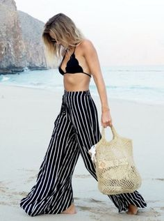 Summer Looks 2018 Ideas Picture Description beachwear pantalona Vacation Outfits, Summer Outfits, Summer Dresses, Maxi Dresses, Outfit Strand, Marine Look, Beach Ootd, Beach Outfit 2018, Beach Pants