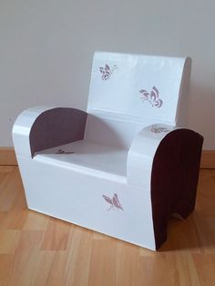 """Fauteuil pour enfant """"Papillons"""" http://www.collection-carton.fr/product.php?id_product=111"""