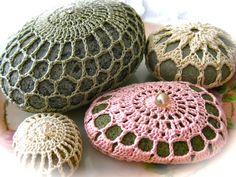 The Beehive Cottage: Crochet Rocks!