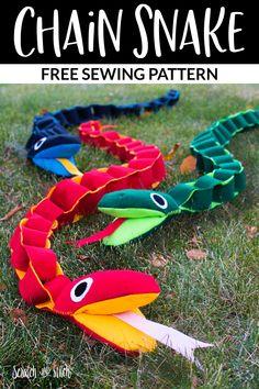 Animal Sewing Patterns, Stuffed Animal Patterns, Sewing Patterns Free, Free Sewing, Snake Free, Blanket Stitch, Felt Fabric, Diy Toys, Pattern Paper