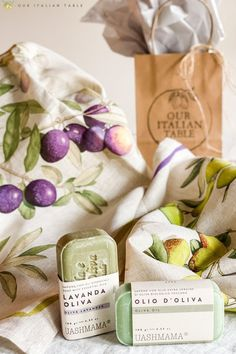 It's olive harvest in Tuscany, so we're celebrating by putting together a curated gift basket for the olive lovers in your life. Each basket features two olive oil natural soaps and two linen kitchen towels with olive motifs. All items are made by artisans in Italy. Support small businesses and artisans by shopping small. #shopsmall #giftbasket #holidaygifts #foodiegifts #foodiegiftideas #artisanmade #artisangifts #madeinItaly #olives #olive #oliveoil #oliveoilsoap #naturalsoap