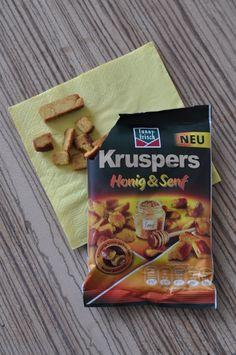 Die neuen Kruspers von funny-frisch erweisen sich als besonders kross gebackene Knusper-Snacks mit delikater Honig-Senf-Note. So schmackhaft und würzig - perfekt für spannende Filmabende.