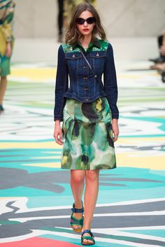 Catwalk photos and all the looks from Burberry Prorsum Spring/Summer 2015 Ready-To-Wear London Fashion Week Burberry Prorsum, Fashion Brand, High Fashion, Fashion Show, Fashion Design, Net Fashion, Runway Fashion, Spring Fashion, London Fashion