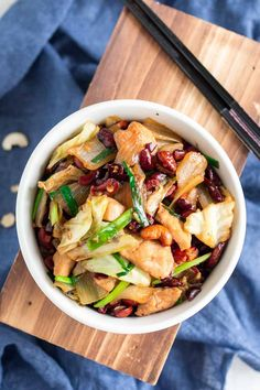 This Thai Cashew Chicken recipe is so easy to make and flavorful. Paired with steamed rice, it's a delicious meal ready in 25 minutes that your whole family will enjoy. #thaifood #thairecipe #asianfood #asianrecipe #chickenrecipe #chickenstirfry #stirfriedchicken #cashews #เม็ดมะม่วงหิมพานต์ #ไก่ผัดเม็ดมะม่วง #อาหารไทย #thaicashewchicken #cashewchicken #cashewchickenstirfry #chickencashew Grilled Chicken Recipes, Easy Chicken Recipes, Pork Recipes, Asian Recipes, Easy Recipes, Chicken Cashew Stir Fry, Slow Cooker Shredded Chicken, Chicken Breakfast, Midweek Meals