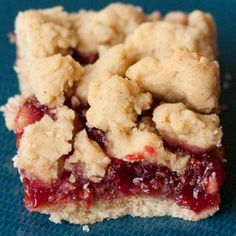 Raspberry Crumb Bars - Who Needs A Cape?-Raspberry Crumb Bars are sweet and tart at the same time. The butter crumbs and the raspberries compliment each other so well. Baking Recipes, Cookie Recipes, Dessert Recipes, Dessert Ideas, Easy Dessert Bars, Dessert Food, Just Desserts, Delicious Desserts, Small Desserts