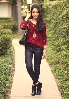 Slouchy sweater + Coated pants + Ankle boots. Oxblood.