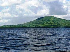 laguna-redonda-con-montana-redonda.jpg (800×600)