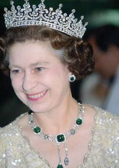 The Delhi Durbar Necklace and Cambridge Emerald Earrings worn by HM Queen Elizabeth II