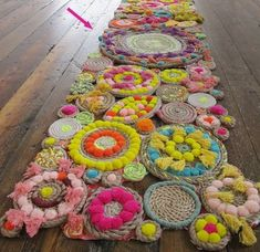 Make It: A Stunning DIY Rope Rug! - Make It: A Stunning DIY Rope Rug! You are in the right place about decoration rustic Here we offer - Rope Rug, Pom Pom Rug, Crafty Craft, Crafting, Rug Making, Fiber Art, Weaving, Diy Projects, Auction Projects