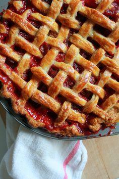 Strawberry and rhubarb lattice pie #strawberry #rhubarb #pie #piecrust #latticepie