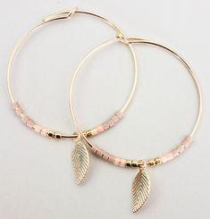 Créoles en Gold Filled 14 carats et plume, boucles d'oreilles moins 30, boucles d'oreilles avec plume, créoles avec plume, cadeau pour femme