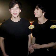 VIXX Hongbin and Leo. I love both of their smiles. Vixx Hongbin, Ravi Vixx, Bang Yongguk, Oppa Gangnam Style, Vixx Members, One Sweet Day, Jung Taekwoon, Z Cam, Jellyfish Entertainment