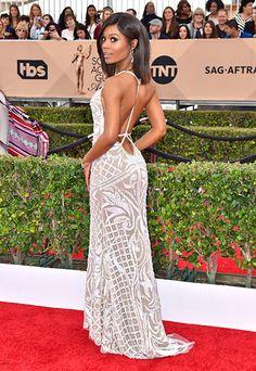 Zuri Hall is stunning. Celebrity Red Carpet, Celebrity Style, Red Carpet 2016, Prom Dress, Dress Up, Nice Dresses, Formal Dresses, Lucy Liu, Sag Awards