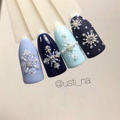 1,076 отметок «Нравится», 9 комментариев — Маникюр и дизайн ногтей (@usti_na) в Instagram: «❄️❄️❄️❄️»