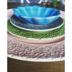 En del utav min fantastiska samlinga på Mateus porslin. Gillar skarpt att man kan kombinera alla olika färger, och det blir så snyggt! Serving Bowls, Tableware, Kitchen, Dinnerware, Cooking, Dishes, Kitchens, Cucina, Stove