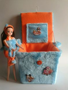 #handemade #spain en tela de pelo azul y naranja