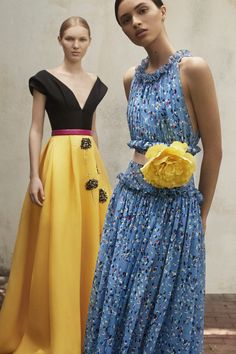 Get inspired and discover Carolina Herrera trunkshow! Shop the latest Carolina Herrera collection at Moda Operandi. Couture Mode, Style Couture, Couture Fashion, Runway Fashion, Milan Fashion, Fashion Trends, Carolina Herrera, Fashion 2018, Look Fashion