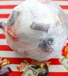 The Saran Wrap Ball Game - the most fun and entertaining holiday game out there. Guests get to unwrap a saran wrap ball filled with prizes and get to keep what comes out on their turn! Xmas Games, Holiday Games, Christmas Party Games, Birthday Party Games, Holiday Fun, 21st Birthday, Birthday Gifts, Holiday Decor, Family Reunion Games