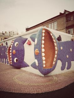 Котэ [cat] madness in Kiev  A 3D mosaic wall. Looks like you can stand in the cat's mouth!