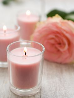 Borax is more than just a one stop-shopping cleaner! Come see the other arts and crafts you can make and play with using Borax! Diy Candle Wick, Candle Craft, Beeswax Candles, Diy Candles, Candle Jars, Candle Wicks, Rose Candle, Luxury Candles, Candleholders