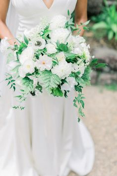 Alexis Ireland Florals The perfect timeless green and white wedding bouquet with a modern twist. Beautiful butterfly ranunculus and anemones pop against the dark green foliage. Fern Bouquet, Anemone Bouquet, Anemones, Ranunculus, White Wedding Bouquets, Wedding Flowers, Art Background, Beautiful Butterflies, Timeless Design
