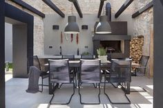 We'll share some ideas for outdoor eaters. Outdoor dining that you can enjoy not only in summer but all years round, even during the day, on sunny days. Outdoor Rooms, Outdoor Dining, Outdoor Decor, Parrilla Exterior, Built In Braai, Garden Deco, Mediterranean Homes, Beach House Decor, Interior Architecture