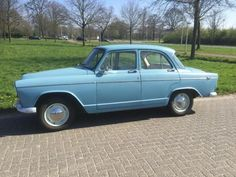 Simca Aronde Etoile 1961 Morris Minor, Car Photos, Olaf, Car Ins, Peugeot, Vintage Cars, Photo Art, Classic Cars, Automobile