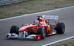 Fernando Alonso alla guida della Ferrari F150° Italia