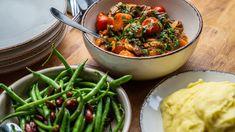 Hele Norges lam i gryte – NRK Mat – Oppskrifter og inspirasjon Frisk, Kung Pao Chicken, Diy Food, Bon Appetit, Green Beans, Lamb, Main Dishes, Pie, Vegetables