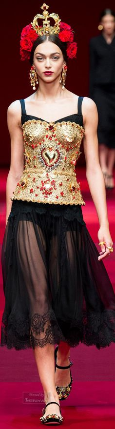 Trends spring 2015: ethnic vibes! Brought to you by All-In Living www.allinliving.nl Dolce & Gabbana.Spring 2015.