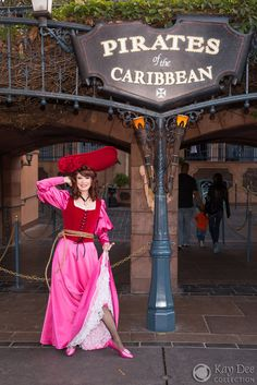 Disney Cosplay Pirates of the Caribbean Redhead Cosplay Walt Disney Co, Disney Rides, Disney Day, Run Disney, Disney Parks, Disney Bound Outfits, Disney Inspired Outfits, Redhead Costume, Disney Characters Costumes