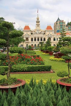 If you are looking for Vietnam luxury tours, look no further than Exotic Voyages. Le Vietnam, Vietnam Ho Chi Minh, Vietnam Voyage, Ho Chi Minh City, Vietnam Travel, Asia Travel, Saigon Vietnam, Laos, Places To Travel