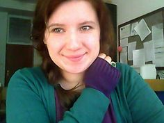 smaragd green sweater: Biaggini / knitted violet fingerless gloves: Kaufland / purple T-shirt: secondhand / jade ring: specializ. Purple T Shirts, Green Sweater, Cold, Mornings, Acre