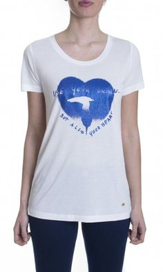 http://www.dursoboutique.com/store/5468-thickbox_default/trussardi-jeans-t-shirt-stampa-cuore.jpg
