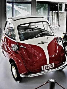BMW Isetta, car with 3 wheels and the front door funny ! - BMW Isetta, car with 3 wheels and the front door funny ! Informations About BMW Isetta, auto met 3 - Bmw Isetta, Bmw E46, Microcar, Motorcycle Camping, Camping Car, Fox Racing, Carros Oldies, Cars Vintage, Porsche